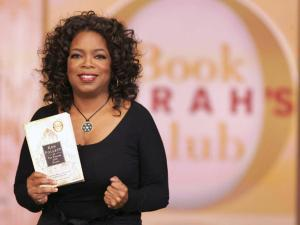 Oprah Winfrey - Top 5 Hollywood Celebrities Who Love Reading Books